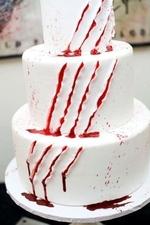 Торт поцарапал Фредди