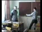Школота избивает учителя,Education,,Ученики избивают учителя! Вся информация о видео: kp.ru/daily/24002/81344/ С именами школьников и так далее!