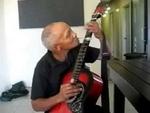 Прекрасная игра на гитаре,People,,Прекрасная игра на гитаре