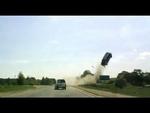 Полёт под Брянском. Дядьковск Car in air after losing control of his vehicle,Autos,,Авария произошла в Дятьковском районе в воскресенье, 19 мая, сообщает региональное УГИБДД. Около часа дня на 26 километре автодороги «Брянск-Дятьково-граница с Калужской областью» 30-летний водитель автомобиля Opel Z