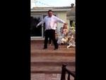 Как Джексон только без штанов Dancer lost his pants,Entertainment,,