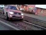 А я по шпалам - опять по шпалам Jeep got stuck on the tram rails,Entertainment,,